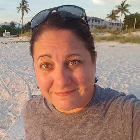 Hannah Wallace is that expert and professional copywriter and editor based in Bradenton, Sarasota, Lakewood Ranch, Florida