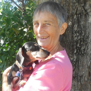 Sylvia from Pet Family Care or Sarasota gives Deckard & Company an honest review!